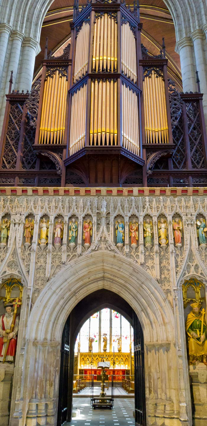1: Arundel Roman Catholic Cathedral organ console