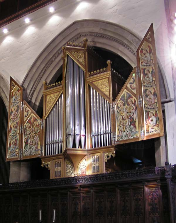 Former Bishop organ in Jesus College, Cambridge, in the Pugin case.